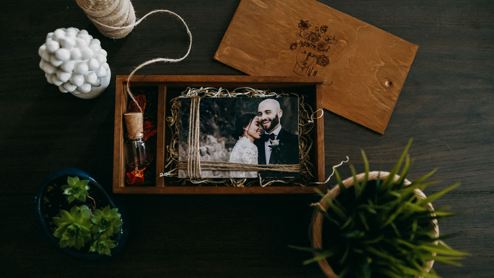 Luxury Packaging for Wedding Video Films. ValloneFilms: We capture, express and create unique wedding films of your authentic emotions in your important day!